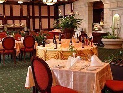 Margitszigeti Grand Hotel sörözője - Grand szálloda a Margitszigeten - szigeti szálloda sörözője