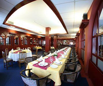 Hotel Nagyerdő*** magyaros étterme Debrecenben