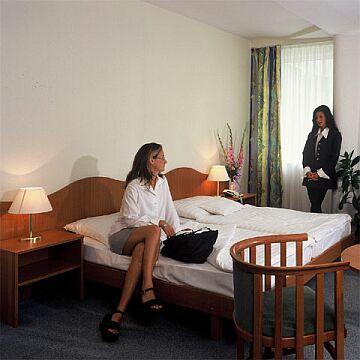 Gyógyszálló Debrecenben - szoba a hotel Nagyerdőben - Termál és Wellness hotel Debrecenben